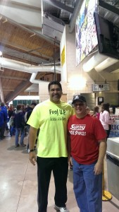 Former Detroit Lion DT Luther Ellis taking some pictures with the Major!