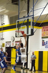 Ishpeming_Hematite_Boys_Basketball_VS_Gwinn_ModelTowners_026