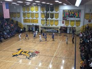 Ishpeming_Hematite_Boys_Basketball_VS_Negaunee_Miners_011316_05