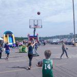 Everyone has having fun on the court!