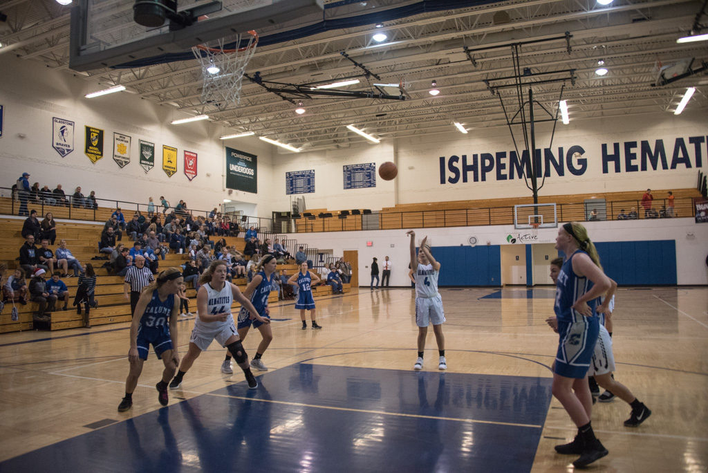 Madisyn Mead taking her free-throws.