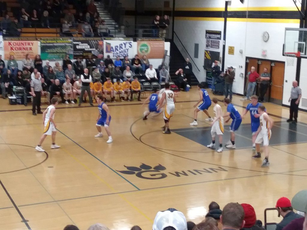 Ishpeming defends against the tough ModelTowners