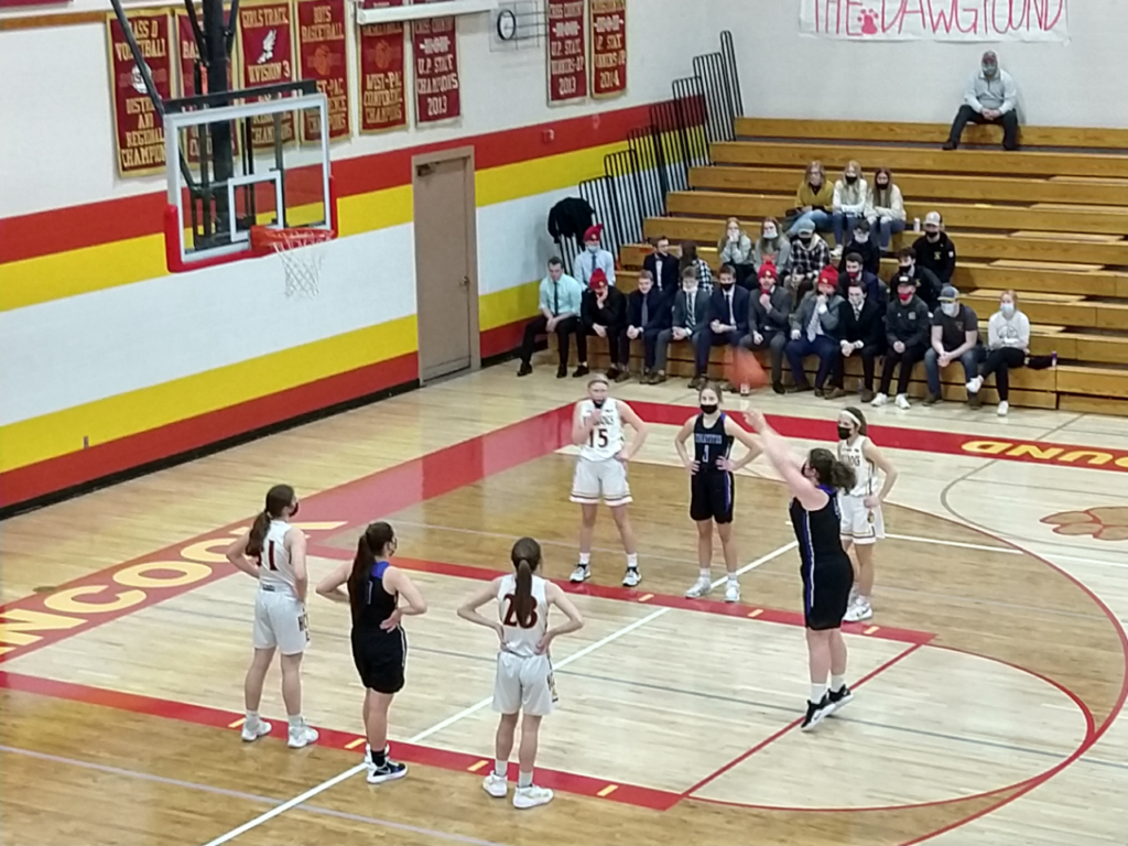 Ishpeming shoots a free throw early in the game