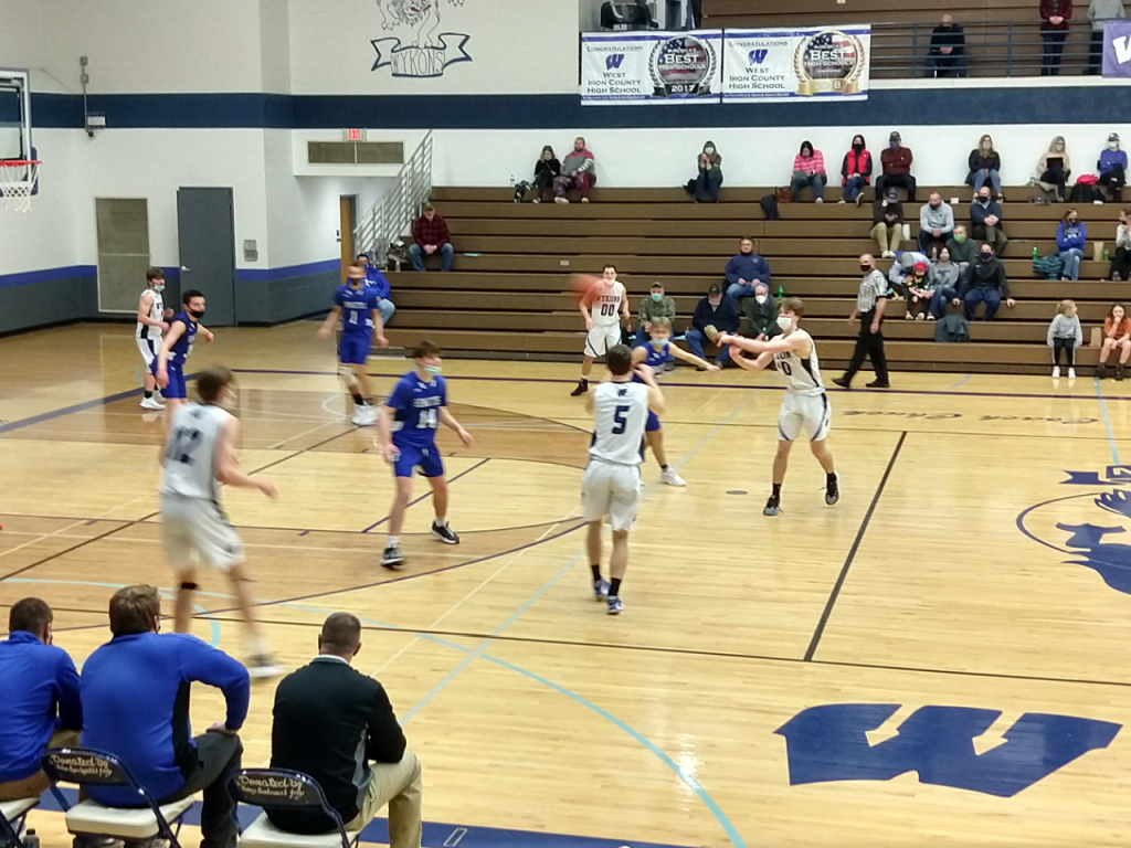 Ishpeming struggled against WIC and fell 47-59,